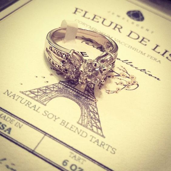 Ring found in my wax tarts appraised for $40! #ringreveal #jewelscent #beautiful #gifts #fleurdelis