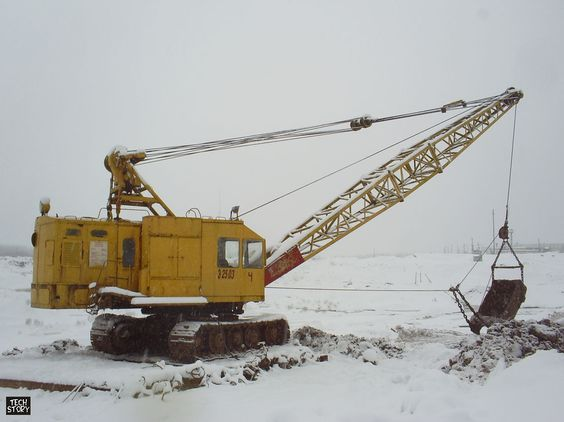 Excavator E-2503V with dragline equipment at the quarry - dragline operator sample resume