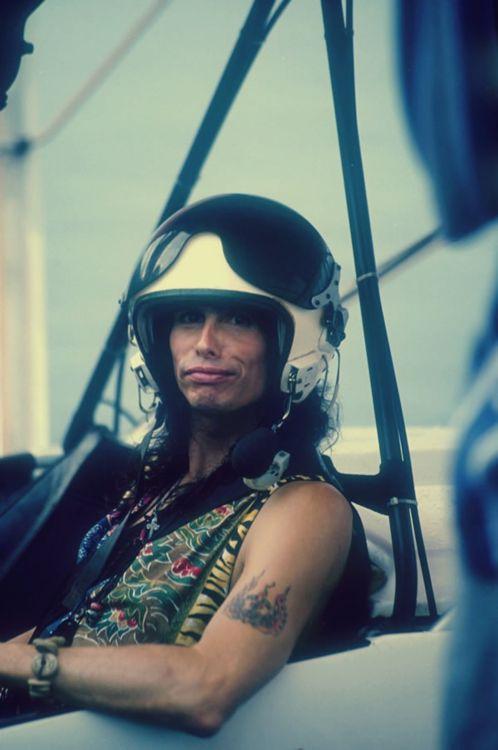 Steven Tyler, Aerosmith. #music #musician #aerosmith http://www.pinterest.com/TheHitman14/musician-in-picture-%2B/