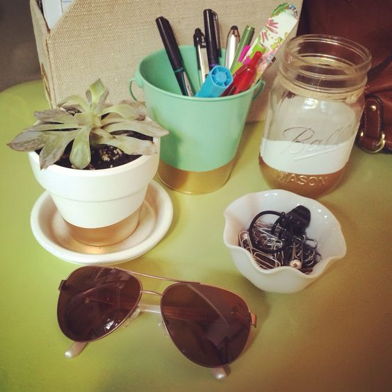 Desk decorating inspired by Mr. Kate! #diy #goldaccent