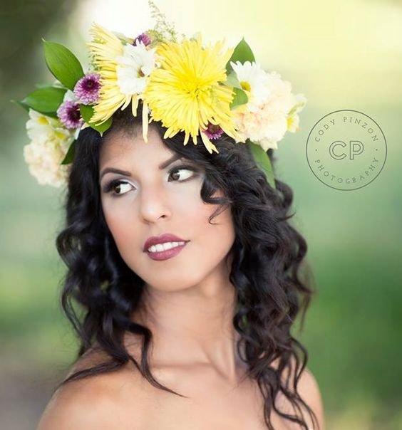 The Earthy & Glamorous Bride.