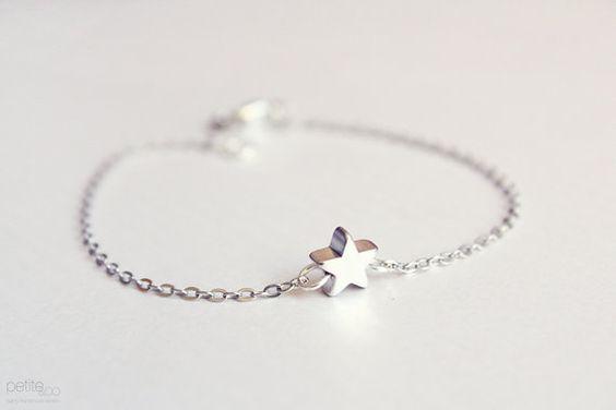tiny star bracelet  dainty silver jewelry par PetiteCo sur Etsy, $12,00