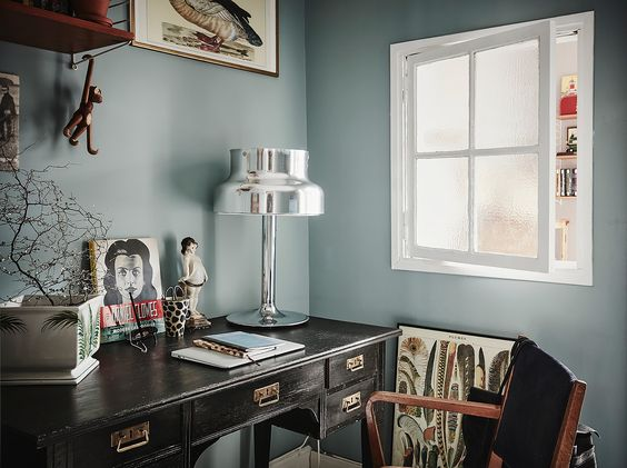 Workspace in Annacate's beautiful home, via http://www.scandinavianlovesong.com/