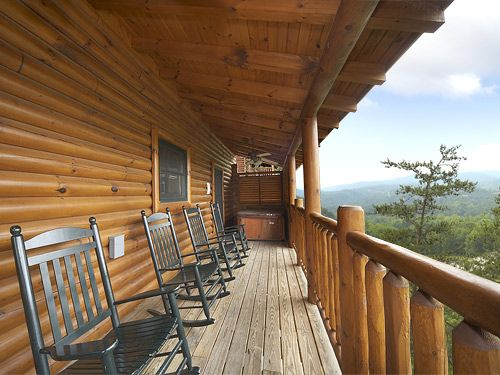 Pigeon Forge vacation rentals at http://www.encompasstravels.com/listing/Mountain-Paws-Retreat-3211