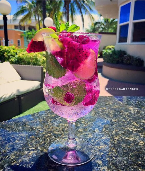 Dragonfruit Mojito - For more delicious recipes and drinks, visit us here: www.tipsybartender.com