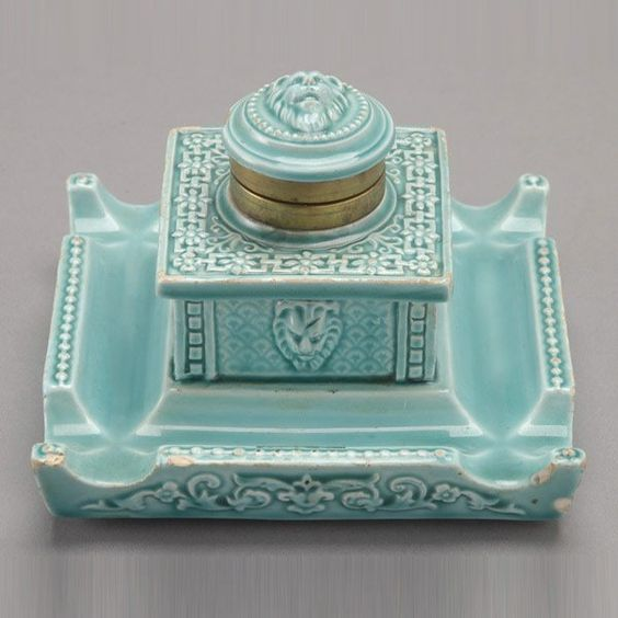 German turquoise faience inkwell the pen is mightier for Faience turquoise