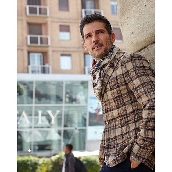 Styling in Piazza XXV Aprile in Milan...Coming soon on the Blog! www.rogermazzeo.com (Link in Bio)  @rogermazzeo @eatalyusa @alteamilano #model #milan #mrmazzeo #rogermazzeo #blog #bloggers #fashion #travel #lifestyle #myife #model #globetrotter #menstyle #menswear #mensstyle #mensfashion #stylish