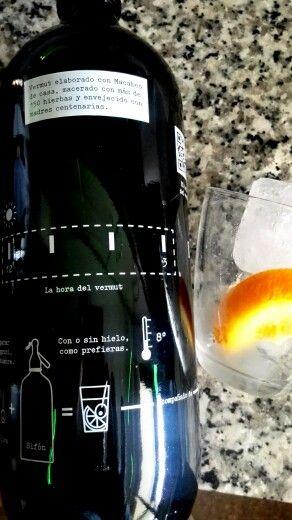 Hora del #vermut negro casa mariol www.vinosensis.com