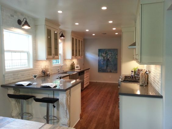 Antique white cabinets quartz countertops and sacramento for Capital one kitchen cabinets