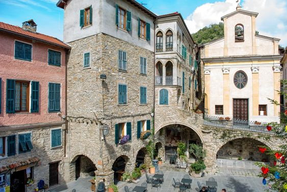 Apricale a hidden Ligurian village and its legend of the Boia | itinari