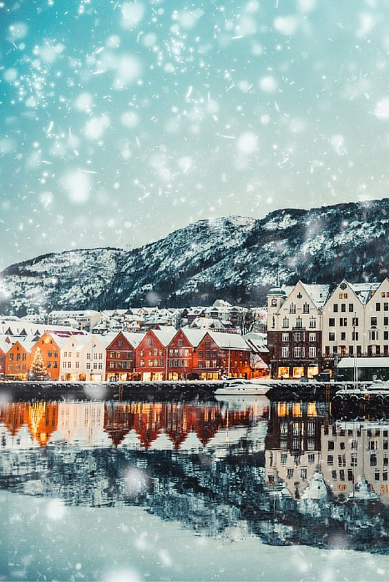 Want to dodge the crowds and save money? Travelling in the winter is one of the best ways to do it! Check out 20 photos that will convince you to travel this winter!: