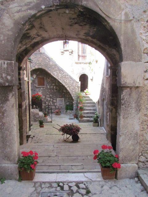 Santo Stefano di Sessanio Italy  city images : Santo Stefano di Sessanio, Abruzzo, Italy | Italy | Pinterest | Italy