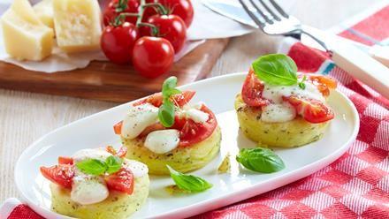 Rezept für Gratinierte italienische Kartoffelplätzchen. Jetzt nachkochen und von weiteren Rezepten rund um die Kartoffel inspirieren lassen!