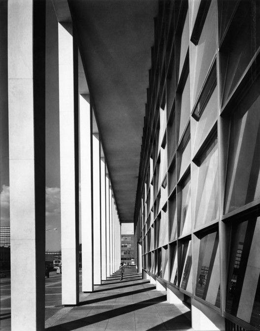 Clásicos de Arquitectura: Palacio de Justicia,Cortesia de Sordo Madaleno Arquitectos, fotografía por Guillermo Zamora