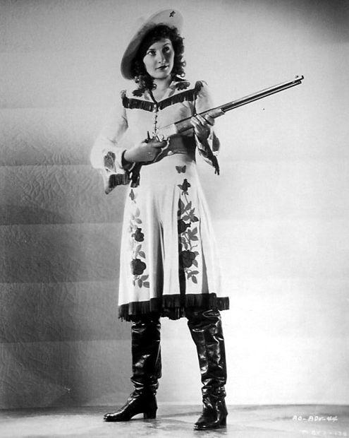 Barbara Stanwyck Annie Oakley