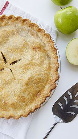 Our best recipes and techniques to master the perfect pie.