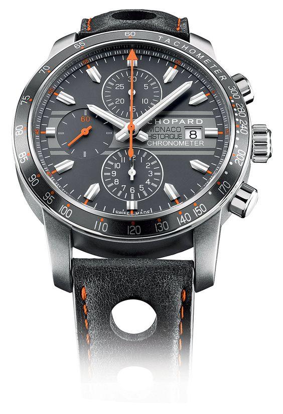 Als offizieller Zeitnehmer des Oldtimerrennens Grand Prix de Monaco Historique stellt die Uhrenmanufaktur Chopard dieses Jahr wieder einen Chronographen gleichen Namens vor. Die Uhr mit dem 42-Millimeter- Gehäuse aus mattem Titan soll in Design und Farben an die Rennwagen der 1970er Jahre erinnern.
