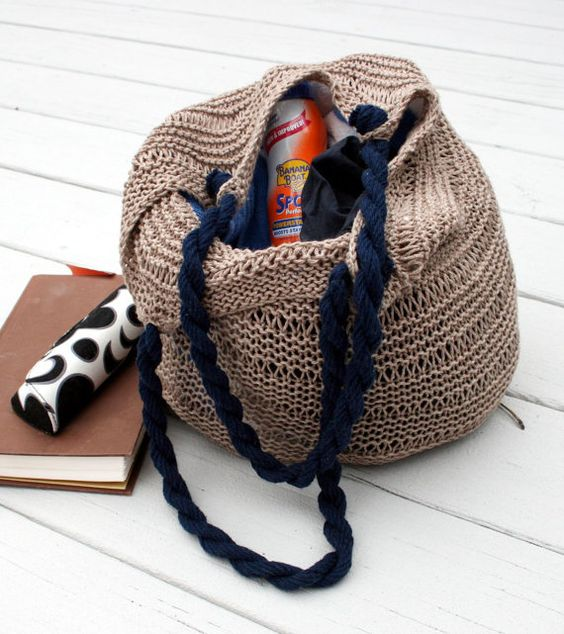 A great knitted tote in the color of a brown by TrinksKnitting