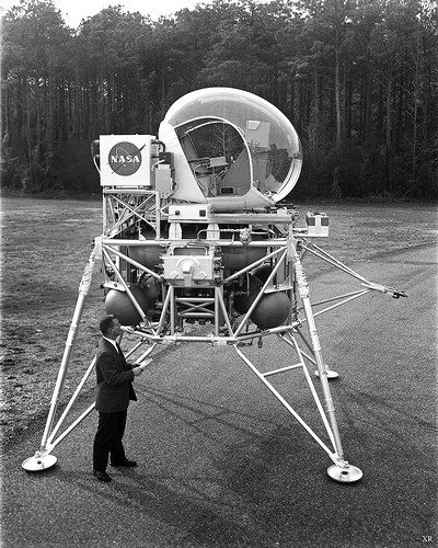 ... simulated lunar lander simulator? | Flickr - Photo Sharing!