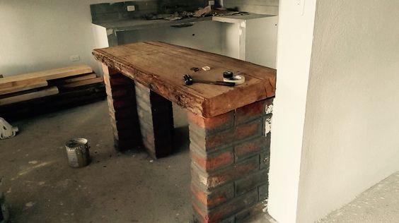 Meson ladrillo-madera