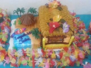Had a beach/hawiian themed graduation party! This was my cake.Marble,& half double decker cake. Fed alot of people :)  ❥ SO good!