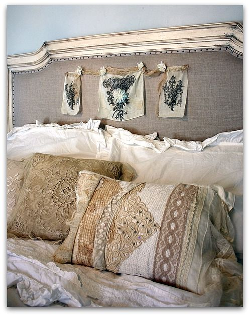 this burlap and lace bed decor is a great inspiration for