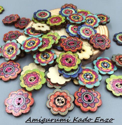 Bekijk dit items in mijn Etsy shop https://www.etsy.com/nl/listing/262062700/50-houten-bloemen-knopen-mix