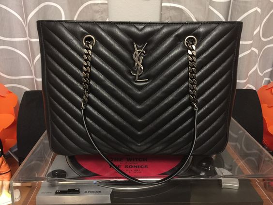 ysl look - CLASSIC LARGE MONOGRAM SAINT LAURENT SHOPPING BAG - Hope this ...