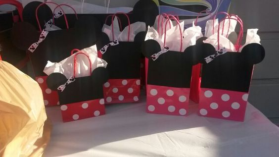 Minnie Mouse Gift Bags DIY