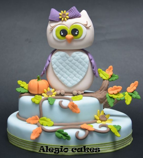 little owl lucky charm - by Alegiocakes @ CakesDecor.com - cake decorating website