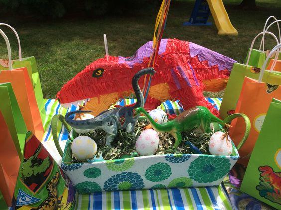 My son love dinosaurs!