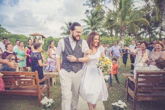 Casamento Intimista (mini wedding) - Saída do casal com chuva de arroz