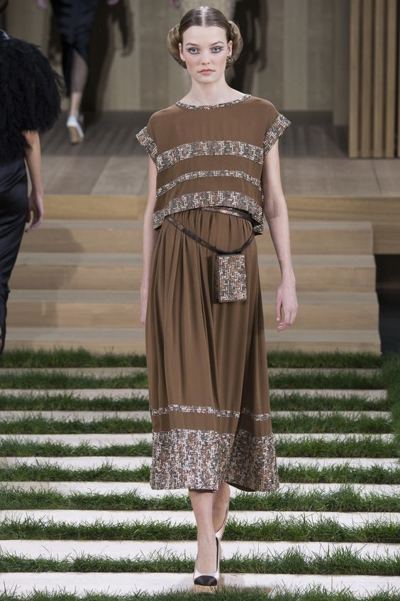 Chanel Spring 2016 Couture Collection Photos - Vogue: