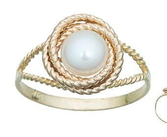 Pearl knot ring. Classic.: Love Knot Ring, Pearl Knot, Pearl Rings, Knot Rings, Gold Pearl, Pearls Pearls, Golden Pearls, Beautiful Pearl
