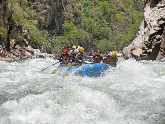The fascination and excitment of the Urubamba River on the rain forest is the perfect place for rafting actvities including world class rapids in an outstantding setting. Visit Peru!: