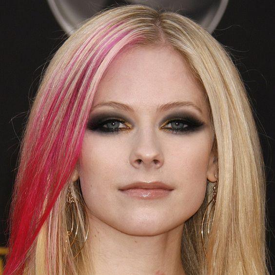 Avril Lavigne é libriana do dia 27/09