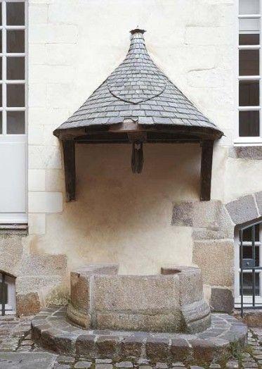 Puits de l'hôtel de Blossac, 6 rue du Chapitre, Rennes