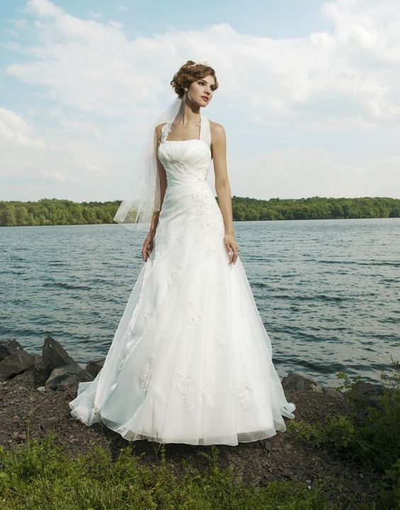 Sincerity Bridal with detachable Halterneck neck Ivory size 12. now only £349