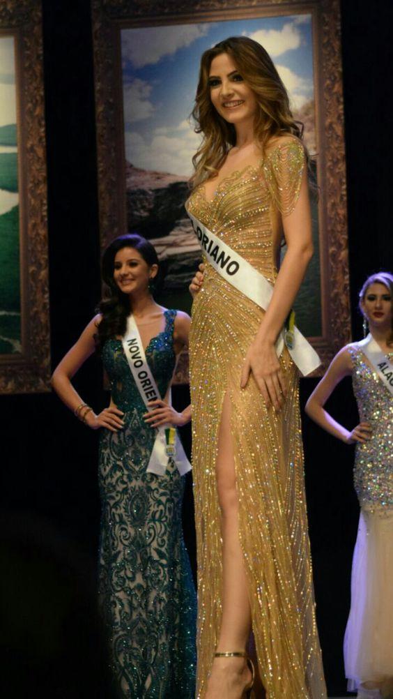 Lara Lobo, Miss Piauí 2016 usando vestido do Atelier Júnior Brandão que foi escolhido o melhor traje de gala da noite!