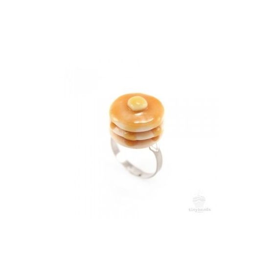 Scented Pancake Ring (€0,95) ❤ liked on Polyvore featuring jewelry, rings, accessories, golden jewelry, stackable rings, golden ring, clay jewelry and stackers jewelry