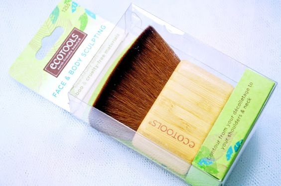 ecoTools Face & Body Sculpting Brush - MissMakeupMagpie
