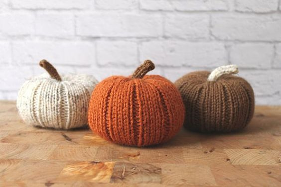 Tricot de citrouilles, courge Decor, tricots citrouilles farcies, automne Decor, Decor rustique Halloween, Thanksgiving Decor, automne décoration