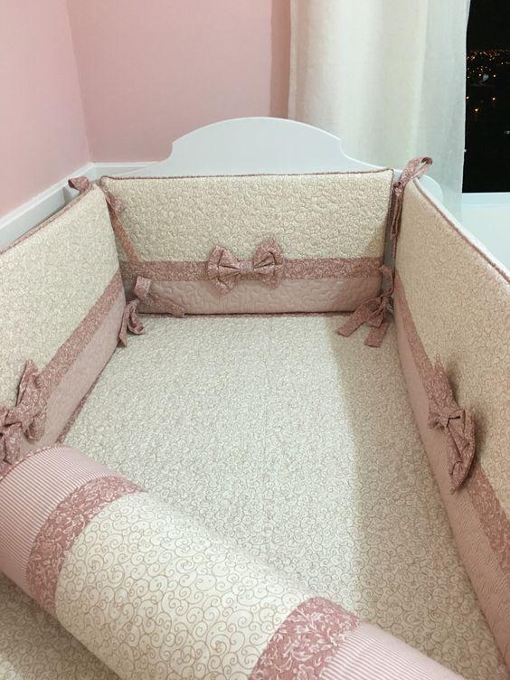 Kit de berço menina rosa.