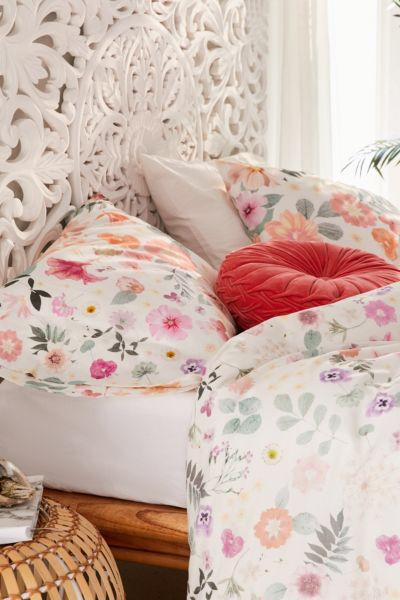 Fashionable Romantic Bedroom
