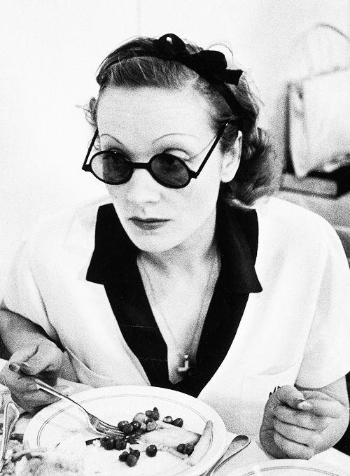 Marlene Dietrich photographed by Alfred Eisenstaedt, 1938.