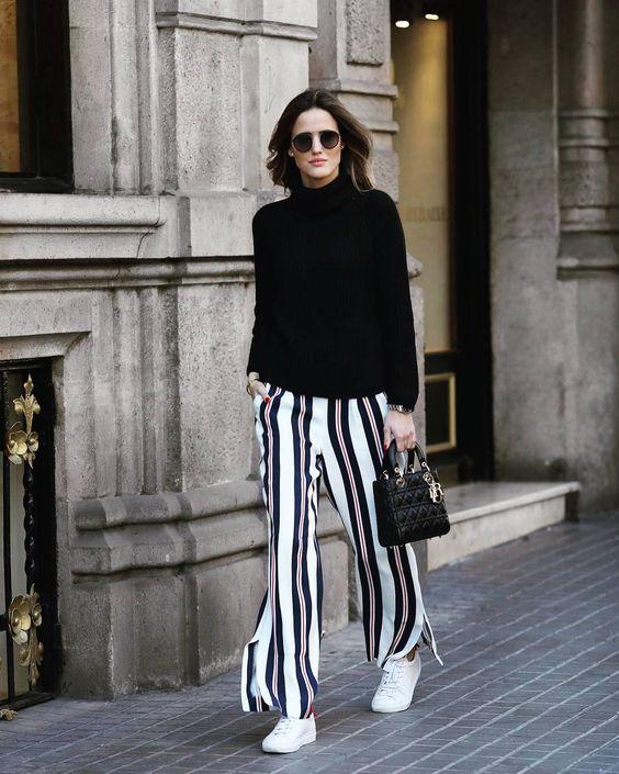 Por fin VIERNES! YA puedes encontrar más prendas de las #influencers en #buytrendy  . Estos pantalones de @ariviere pueden ser tuyos AHORA por solo 12  . . . . #influencer #pantalones #look #streetstyle #streetfashion #fashion #moda #sofisticated #getthelook #ootd #style #estilo #buy #trendy #buytrendyapp