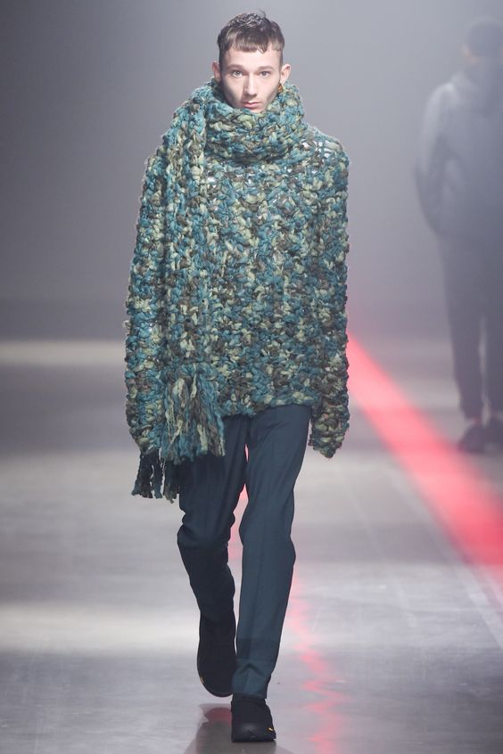 See the complete N.Hoolywood Fall 2016 Menswear collection.