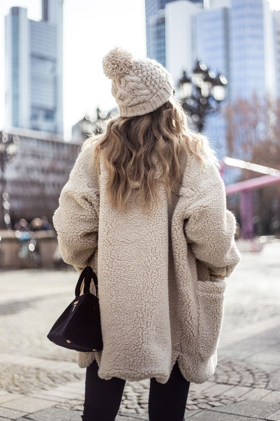 40 Winter Fashion 2018 Outfits To Copy #winterfashion2018 #winter2018 #winter