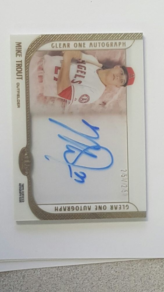 MIKE TROUT CLEAR ON CARD AUTO