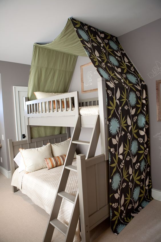 Kid S Room With Canopy Bunk Bed Chalkboard Wall Paint